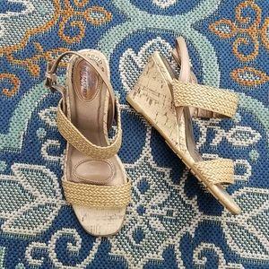 EUC Life Stride Memory Foam Wedge Sandals Sz 7.5